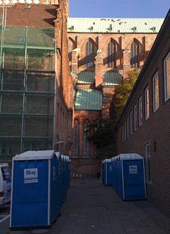 Dixi-Toiletten beim Lübeck-Marathon