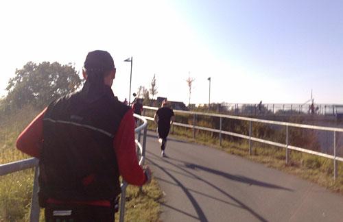 Läufer auf Anstieg