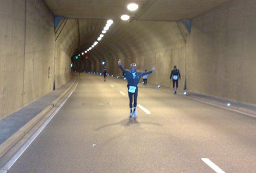 Läufer auf dem Anstieg im Herrentunnel