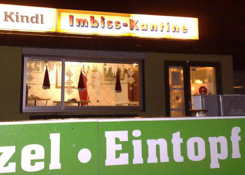Beleuchtetes Imbiss-Fenster
