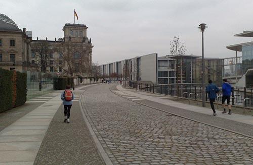 Läufer am Reichstag