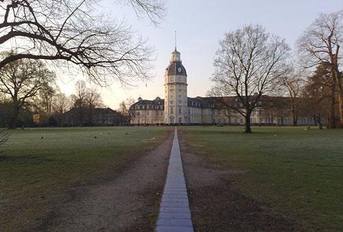 Schlossgarten und Schloss Karlsruhe