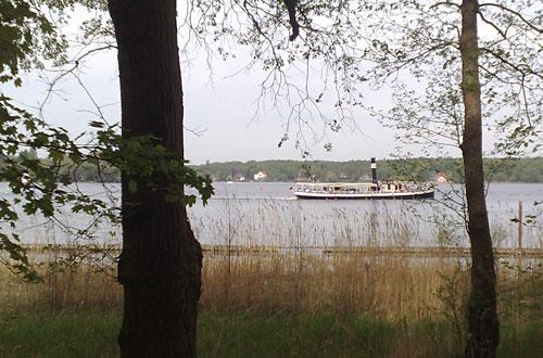 Blick auf Dampfer auf dem Wannsee