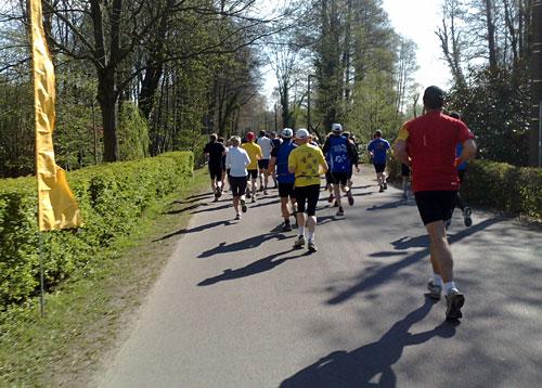 Läufer auf Höhe der Orangerie