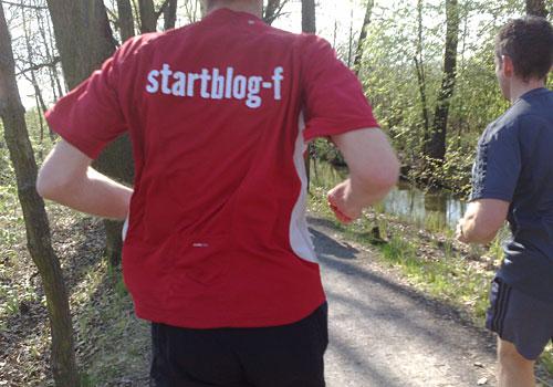 Läufer mit startblog-f-Shirt