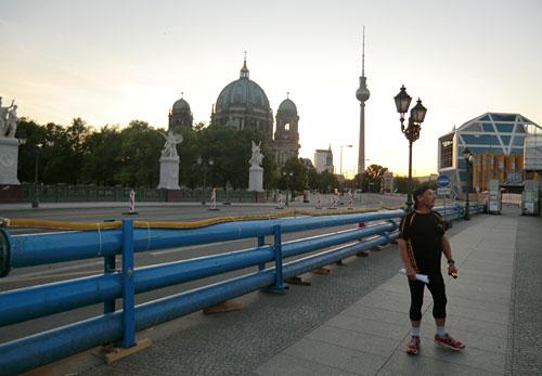 Läufer auf der Berliner Schlossbrücke