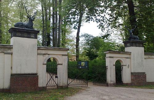 Tor zum Schloss Glienicke