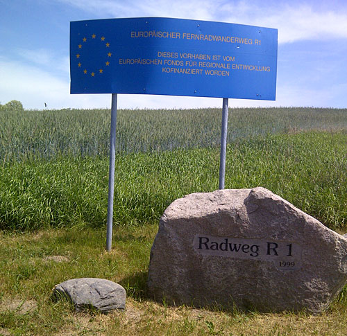 Schild Radweg R1
