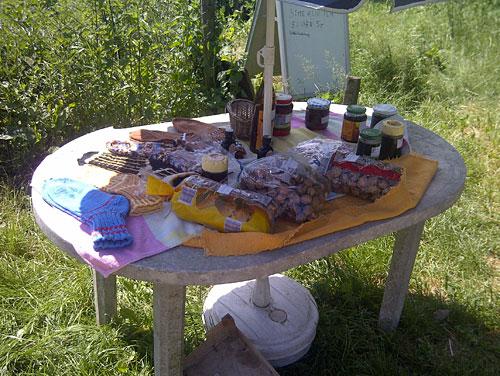 Tisch mit lokalen Spezialitäten