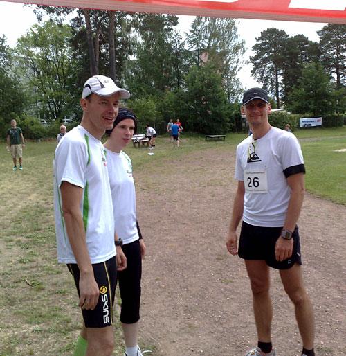 Läufer im Ziel des 9. Scharmützelseelaufs 2012