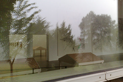 Blick von außen in die documenta-Halle