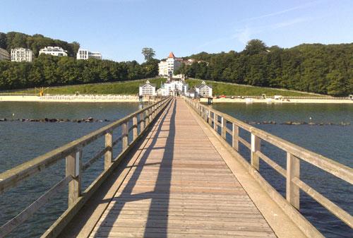 Blick von der Selliner Seebrücke auf Sellin