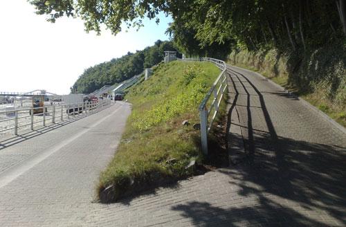 Steigung vom Selliner Strand hoch zur Wilhelmstraße