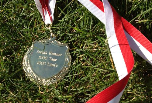 "Medaille mit Gravur ""Streak Runner - 1000 Tage - 1000 Läufe"""