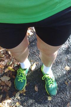 Läufer mit kurzer Laufhose