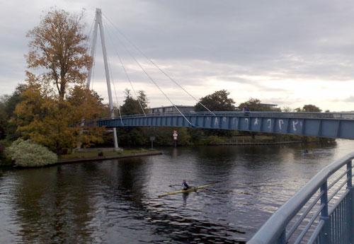 Spree-Brücke mit Läufer