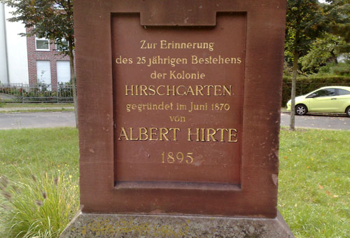 Inschrift auf dem Denkmal am Hirteplatz in Köpenick