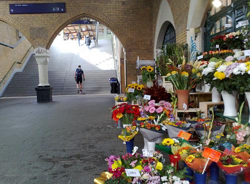 Läufer im S-Bahnhof