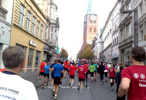 Läufer in der Altstadt
