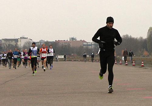 Läufer auf dem Tempelhofer Feld