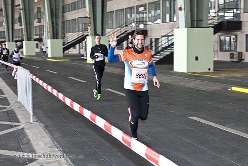 Läufer im Hangar-Bereich