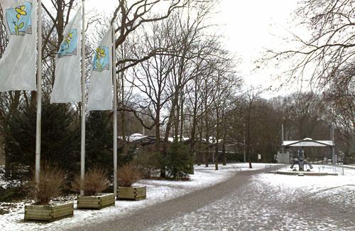 Eingang Britzer Garten im Winter