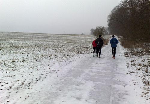 Läufer auf Feldweg bei Diedersdorf