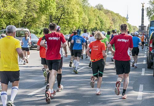 startblog-f-Läufer auf der Straße des 17. Juni