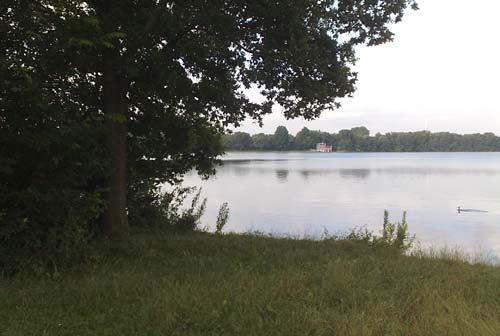 Läufer-Blick auf den Stadtwaldsee