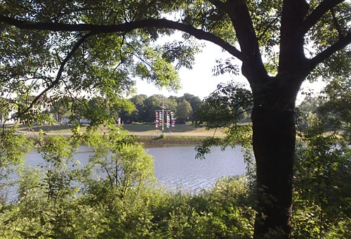 Blick vom Werder auf das andere Weserufer