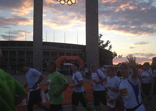 Läufer beim b2run am Berliner Olympiastadion