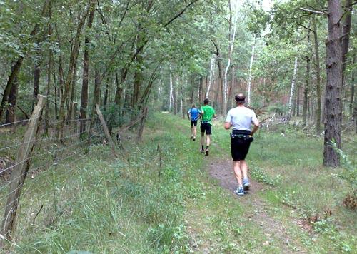 Auf einem Trail bei Genshagen laufen