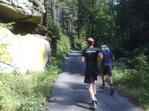 Läufer im Nationalpark Sächsische Schweiz