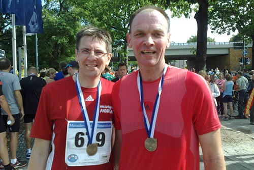 Finisher nach dem Halbmarathon-Lauf in Tegel