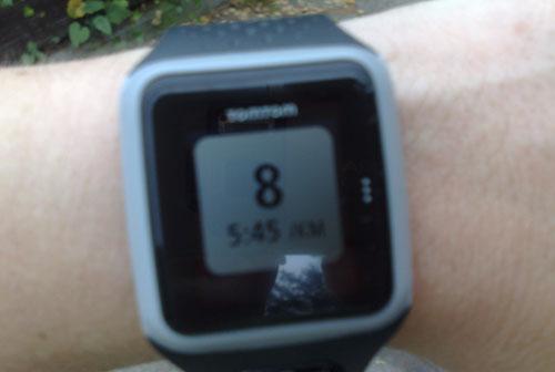 Rundenanzeige (Zwischenzeit) auf der TomTom GPS-Laufuhr