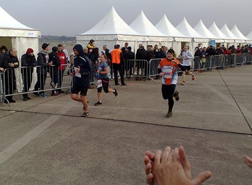 Jeder Team World Vision Läufer wird frenetisch bejubelt
