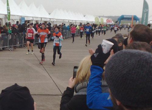 Team World Vision bei der Marathon-Staffel 2013 auf dem Tempelhofer Feld