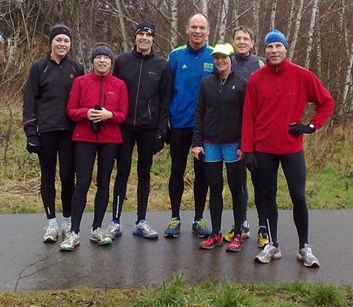 Läufergruppe beim letzten Lauf kurz vor Weihnachten