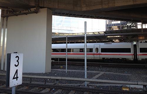 ICE am Bahnhof Südkreuz