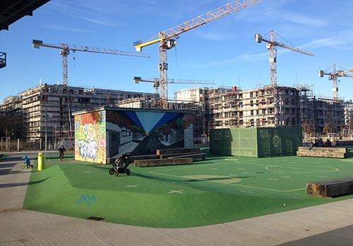 Baustellen und Spiellandschaft im Park am Gleisdreieck