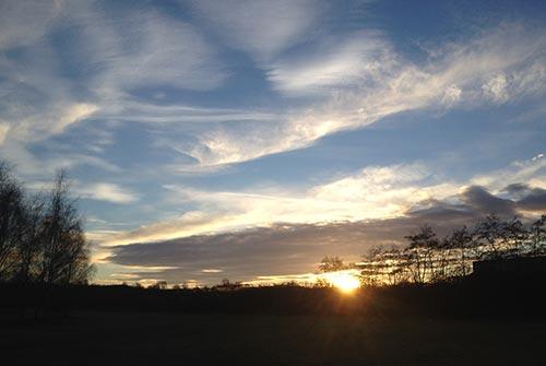 Sonnenuntergang am ende des langen Laufs