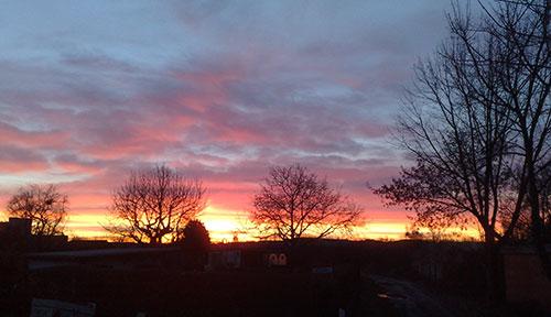 Sonnenaufgang für Läufer am Heiligabend