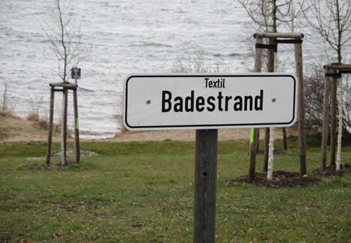 Schild Textil-Badestrand