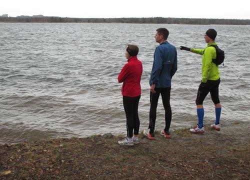 Läufer am Ufer des Senftenberger Sees