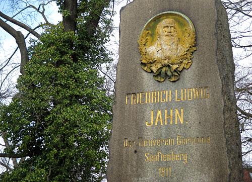 Denkmal für Turnvater Jahn in Senftenberg