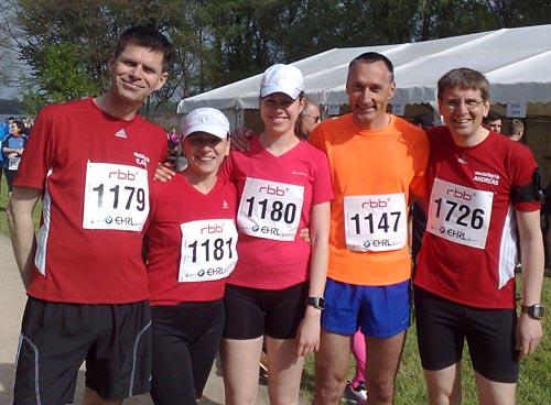 Läufer-Gruppenbild vor dem Drittelmarathon in Potsdam