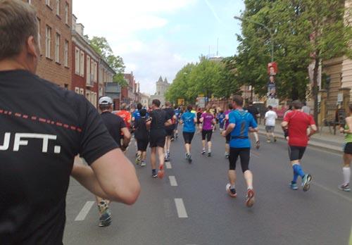 Läufer beim Drittelmarathon in Potsdam 2014