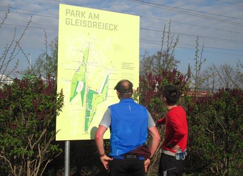 Schild  Park am Gleisdreieck