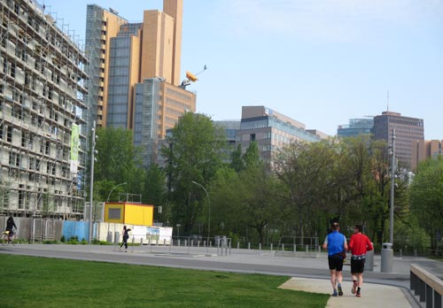 Läufer und Blick auf den Potsdamer Platz