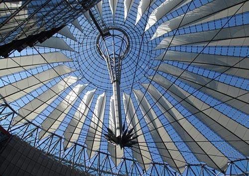 Dach des Sony-Centers am Potsdamer Platz